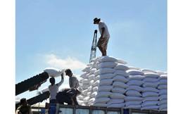 """Đến hẹn lại lên, Bộ Công thương chuẩn bị nhập 100.000 tấn đường vì có hiện tượng DN trong nước """"găm hàng"""""""