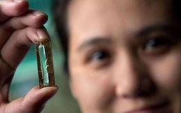 """Nghiên cứu sinh """"lỡ tay"""" tạo ra pin nano có tuổi thọ 400 năm"""