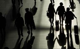 Nỗi buồn khó nói của những thanh niên 35 tuổi không thể tìm được việc, sống nhờ lương hưu của bố mẹ