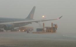 Đường băng sân bay Tân Sơn Nhất bị hỏng vì sét đánh