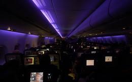 Phi công giải thích vì sao khi máy bay cất cánh, hạ cánh lại chỉ để đèn tối lờ mờ