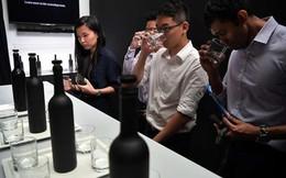 Chai nước sạch đắt nhất châu Á, giá 28 triệu đồng