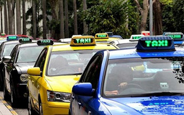 Thứ trưởng Bộ Tài chính trải lòng việc đi làm bằng taxi