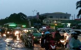 Sau mưa lớn, TPHCM lại chìm trong biển nước
