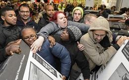 """Hàng loạt các """"ông trùm"""" bán lẻ Mỹ tổ chức ngày Black Friday sớm"""