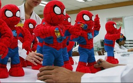 """Disney chính thức nói """"Không"""" với đồ chơi Trung Quốc"""