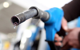 """Khoa học vừa """"lỡ tay"""" tạo ra ethanol - thành phần làm xăng từ khí thải CO2"""