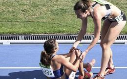 Là đối thủ nhưng dìu dắt nhau cùng về đích - câu chuyện gây xúc động mạnh nhất Olympic Rio 2016