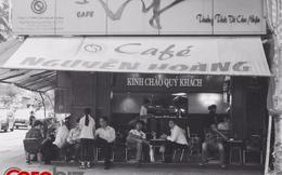 """""""Hiện tượng"""" cà phê Vy: Cafe vỉa hè nhưng giá đắt ngang Phúc Long & Highlands, khách vẫn đông nườm nượp"""