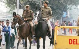 Thế kỷ 21 rồi nhưng tại sao cảnh sát Ấn Độ vẫn dùng ngựa tuần tra?