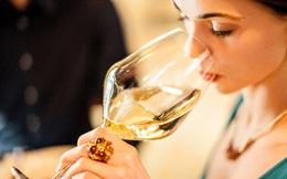 Đánh răng sau khi uống rượu vang, bạn sẽ trả giá đắt