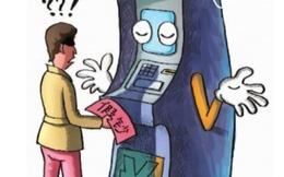 Người dân Trung Quốc loay hoay tìm cách rút tiền tại cây ATM
