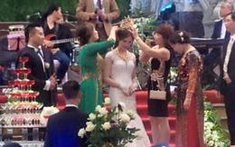Đám cưới ở Nam Định: Mẹ chồng tặng con dâu vương miện 100 cây vàng