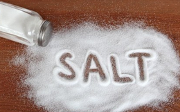 [Infographic] Ăn quá nhiều muối gây hại như thế nào đến cơ thể bạn?