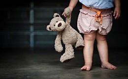 Đã đến lúc bố mẹ cảnh giác với món đồ chơi trẻ nào cũng có