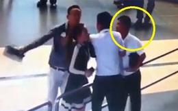 Nữ nhân viên hàng không bị đánh: Người đàn ông trong clip lên tiếng