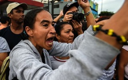 Dân Venezuelatràn vào siêu thị cướp đồ, một thành phố bị giới nghiêm