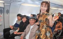 CEO VietJet Air bất ngờ xuất hiện lì xì cho hành khách trên chuyến bay đầu năm