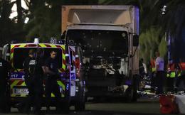 Cảnh sát đã bắn chết kẻ lái xe tải đâm vào đám đông ở Nice