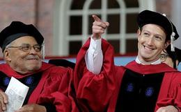 """""""Mẹ, con đã nói rồi đúng không? Một ngày con sẽ quay lại Harvard và nhận tấm bằng đại học"""""""
