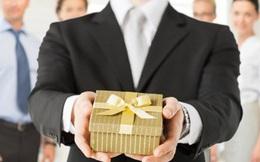 Những điều nên và không nên khi tặng quà cho khách hàng trong các dịp lễ