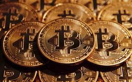 Bitcoin phá kỷ lục cũ sau 1 ngày, vượt ngưỡng 7.000 USD