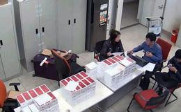 Tịch thu hàng trăm chiếc iPhone 7, 7 Plus màu đỏ nhập lậu