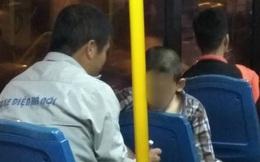 Chuyện giản dị phía sau bài toán của anh phụ xe và cậu nhóc lớp 7 ngay trên xe bus khiến ta mỉm cười!
