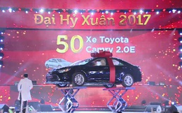 """50 chiếc xe Camry tìm được chủ nhân tại sự kiện """"Đại hỷ xuân 2017"""" của Vingroup"""