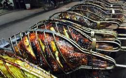 Cá nướng kiểu Tây Bắc: Xe đẩy vỉa hè kiếm 3 triệu/ngày