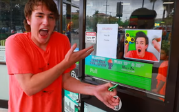 Chuỗi cửa hàng nổi tiếng thế giới 7-Eleven sử dụng hình ảnh của một Youtuber để bán Fidget Spinner