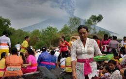 Sân bay đóng cửa vì núi lửa, 59.000 du khách bị mắc kẹt ở đảo Bali