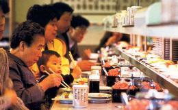 Bài học cuộc sống đến từ chai nước thừa của sếp Nhật