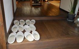 Vì sao người Nhật Bản, Hàn Quốc... luôn cởi giày trước khi vào cửa? Biết rồi bạn sẽ muốn học theo