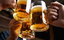 """Khoa học chứng minh: Đàn ông """"nhậu"""" điều độ sống lâu hơn người không bao giờ động tới rượu bia"""