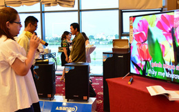 Người Việt thích hát Karaoke! Bí quyết giành 21% thị phần của ông chủ hãng tivi 'made in Vietnam'