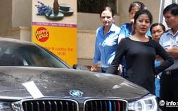 Quận 1 cẩu hàng loạt xe sang BMW, Audi về công an phường vì chiếm vỉa hè