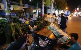 """Đi chợ lá dong """"độc nhất"""" ở TP. Hồ Chí Minh"""