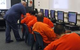 Tù nhân Mỹ tự ráp máy tính, kết nối với mạng của nhà tù để nhắn tin cho mẹ