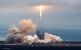 Chúc mừng Elon Musk, SpaceX đã đi vào lịch sử với màn phóng tên lửa tái sử dụng Falcon 9 thành công rực rỡ