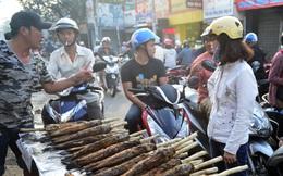 Người Sài Gòn đổ xô mua cá lóc nướng ngày vía Thần Tài