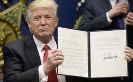 Mới nhậm chức được 2 tuần, Donald Trump đã công bố tới 20 quy định mới làm rung chuyển nước Mỹ