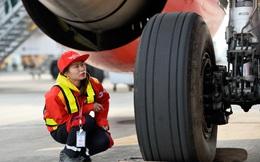 Chùm ảnh: Nữ kỹ sư sửa chữa máy bay hiếm hoi ở Việt Nam với 2 tấm bằng ĐH