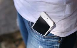 """Thường xuyên đút điện thoại trong túi quần khiến đàn ông """"yếu"""" hơn và dễ gây vô sinh"""