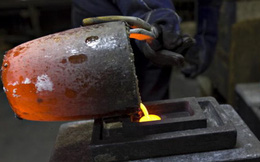 Tại sao tỷ lệ thất nghiệp thấp lại khiến giá hàng hóa giảm?
