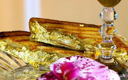 Thưởng thức bánh mỳ kẹp đắt nhất thế giới: Được bọc vàng 23K để hoàn thiện vẻ đẹp hoàng gia
