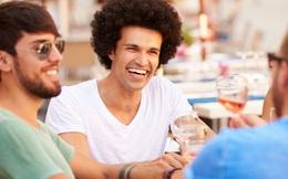 Nghiên cứu khoa học cho thấy người giỏi pha trò thường được đánh giá cao hơn người khác