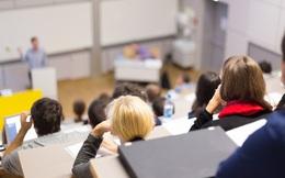Một số trường đại học đòi cấm PowerPoint vì nó làm sinh dốt hơn, thầy giáo thì chán nản