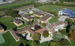 Bên trong ngôi trường xa hoa nhất thế giới tại Thụy Sĩ