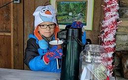 Quầy cacao nóng đặc biệt của cậu bé 6 tuổi khiến hàng trăm người dù trời lạnh cũng xếp hàng đợi mua